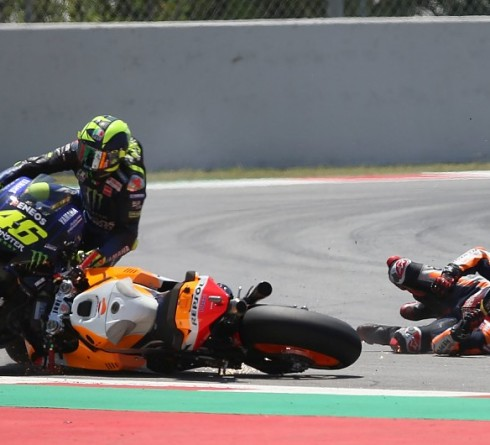 Caused a Huge Collision, Lorenzo Escaped Penalty