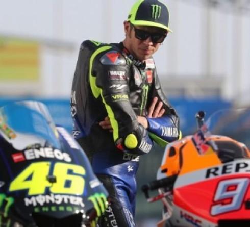 Valentino Rossi Sulit Bandingkan Dirinya Saat Muda dengan Marquez