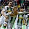 ฟุตบอล บุนเดสลีก้า เยอรมัน   ดอร์ทมุนด์ (1) -vs- กลัดบัค (7)  เวลา. :  23:30 น.  สนาม : ซิกนัล อิดูน่า พาร์ค   ราคาบอล : ดอร์ทมุนด์ ต่อ 1/1.5 -10