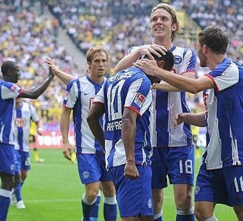 ฟุตบอล บุนเดสลีก้า เยอรมัน บาเยิร์น-vs-แฮร์ธ่า เบอร์ลิน  เวลา: 01.30น. สนาม : อัลลิอันซ์ อารีน่า ราคาบอล : บาเยิร์น ต่อ 2/2.5 -5